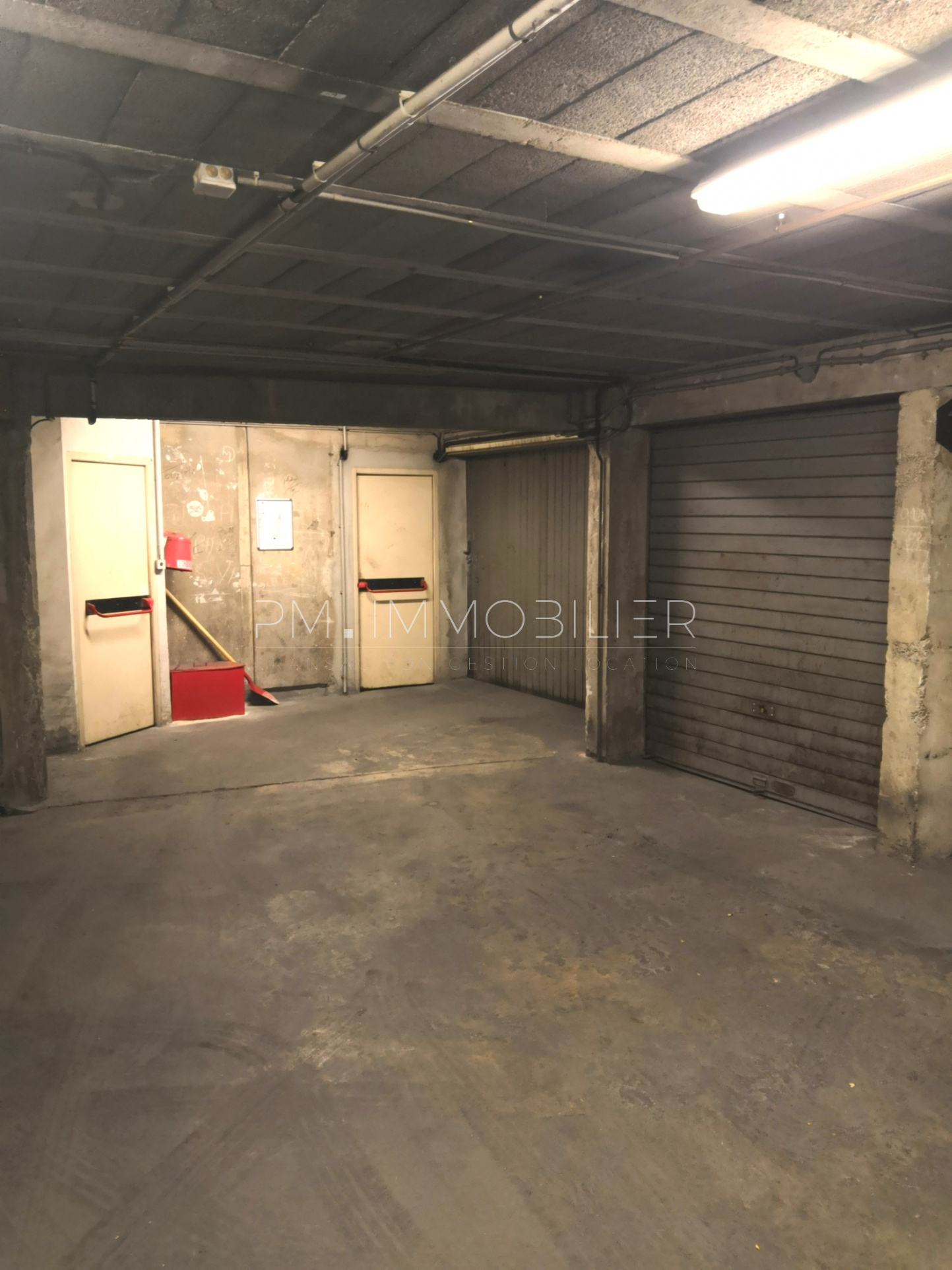 Location garage 13004 marseille cinq avenue pm gestion for Location garage marseille 7eme